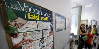 A che punto siamo coi vaccini e le scuole