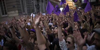 La sentenza contro cui si protesta in Spagna