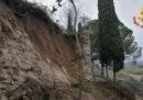 È crollato un tratto delle mura di San Gimignano (Siena), non ci sono feriti