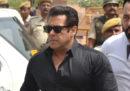 L'attore indiano Salman Khan è stato condannato a 5 anni di carcere per aver ucciso due antilopi cervicapre