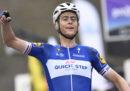 Il ciclista olandese Niki Terpstra ha vinto il Giro delle Fiandre