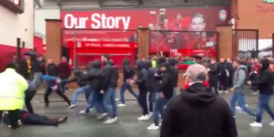 Gli scontri di martedì a Liverpool, prima della partita