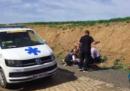 Il ciclista belga Michael Goolaerts ha avuto un arresto cardiaco durante la Parigi-Roubaix: è stato rianimato sul posto e ricoverato in ospedale