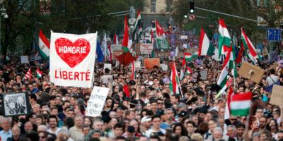 Le proteste contro Orbán in Ungheria