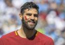 Perché i giocatori di Spal e Roma avevano un segno rosso sulle guance?
