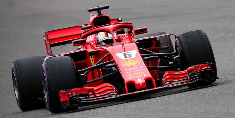 Formula 1 Cina, spettacolo rosso: pole di Vettel, 2° Raikkonen