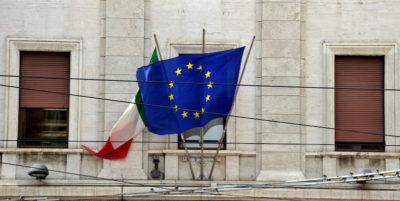 Gli italiani pensano ancora pessime cose dell'Unione Europea