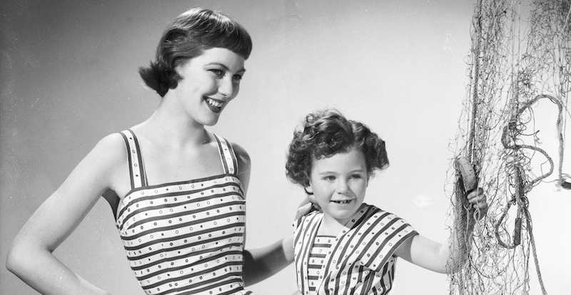 83459502f9cd Da dove viene la moda di madri e figlie vestite uguali - Il Post
