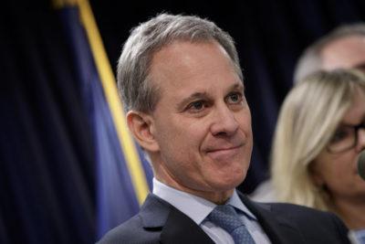 New York, accusato di violenze il procuratore che fece causa a Weinstein