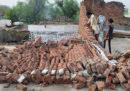 Le foto delle tempeste di sabbia e fulmini in India