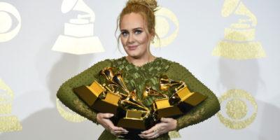 Adele ha 30 anni