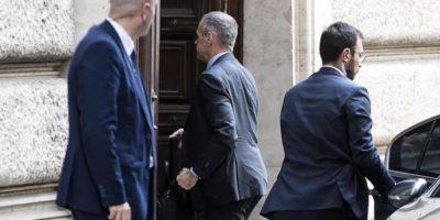 Per ora niente governo Cottarelli