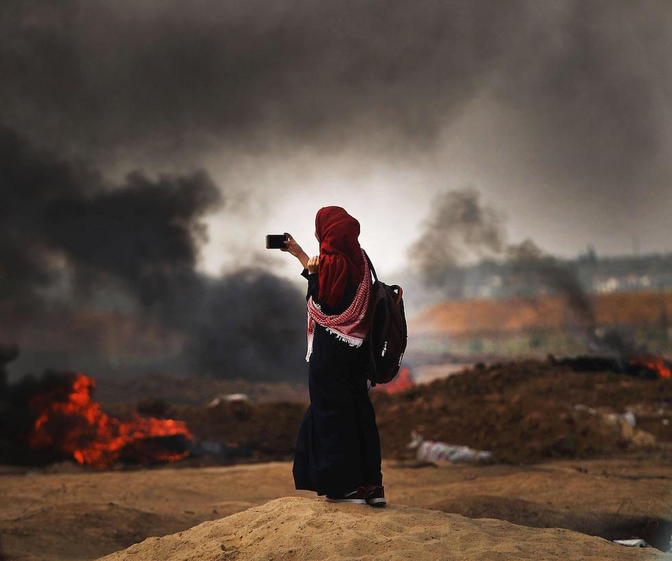 La strage dei manifestanti a Gaza, in foto