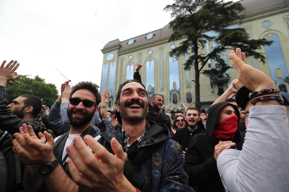 картинки кланов в тбилиси испорчена славой