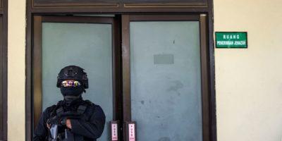 La polizia indonesiana ha ucciso 14 sospetti terroristi in risposta agli attentati dell'ISIS della scorsa settimana