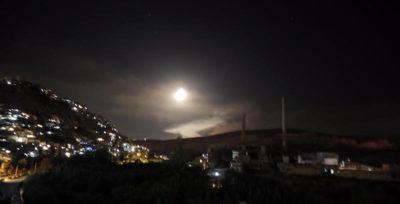 Israele ha colpito decine di obiettivi in Siria