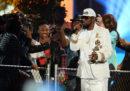 Spotify ha tolto dalle sue playlist tutte le canzoni di R. Kelly, in risposta alle accuse di molestie nei suoi confronti