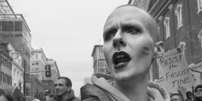 Le donne in marcia fotografate da Larry Fink