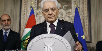 È saltato tutto, Mattarella convoca Cottarelli