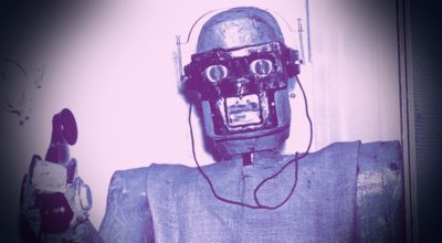 È giusto che un'intelligenza artificiale si finga un umano al telefono?