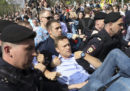 Alexei Navalny è stato condannato a 30 giorni di carcere per aver preso parte a una manifestazione non autorizzata contro Putin