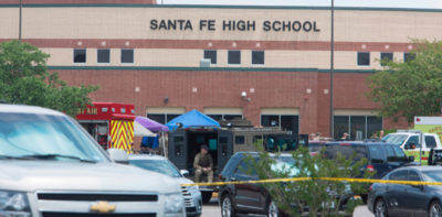 Cosa sappiamo della strage nella scuola in Texas