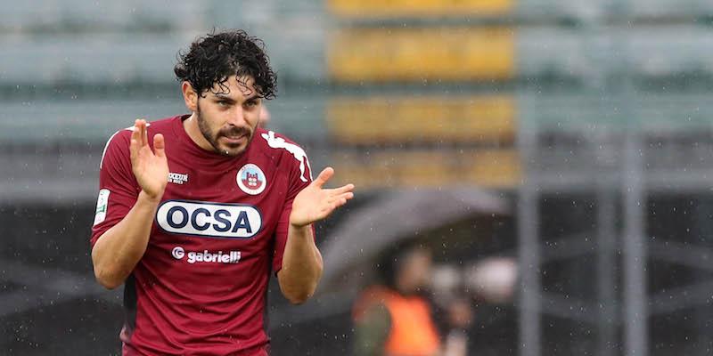 Serie B, slittano i playoff: si attende lòa sentenza sul caso Bari