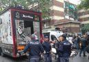 A Torino un tir dei tifosi della Juventus si è scontrato con i cavi del tram durante i festeggiamenti per lo Scudetto: cinque persone si sono ferite