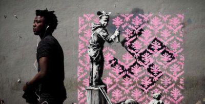 Ci sono sette nuovi graffiti di Banksy a Parigi