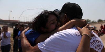 L'amministrazione Trump sta togliendo i bambini ai migranti che cercano di superare il confine
