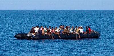 Perché i migranti non usano l'aereo?