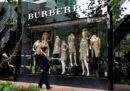 Burberry non distruggerà più le merci invendute