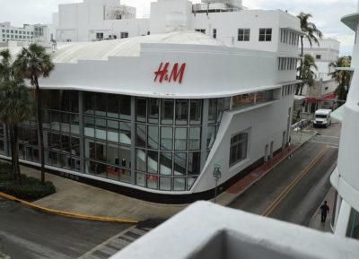 I profitti di H&M sono ancora in calo