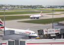 Il governo britannico ha approvato un controverso piano per l'espansione dell'aeroporto londinese di Heathrow
