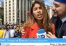 Una giornalista televisiva è stata molestata da un tifoso di calcio durante un servizio sui Mondiali
