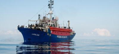 Il governo vuole sequestrare la nave della ong Lifeline