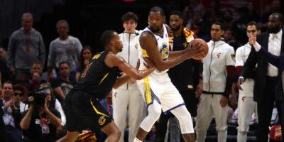 Com'è finita gara-3 delle finali NBA tra Golden State Warriors e Cleveland Cavaliers