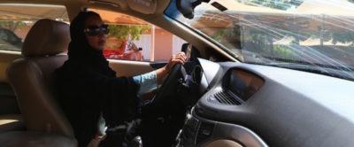 Da domani, domenica 24 giugno, le donne potranno guidare in Arabia Saudita