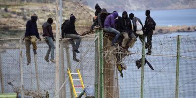 Cosa fa la Spagna con i migranti via mare