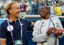 Il vice allenatore della Nigeria è stato filmato mentre accettava una tangente