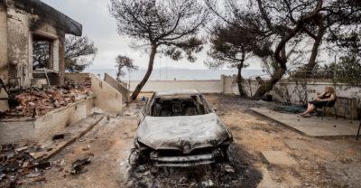 Almeno 74 morti per gli incendi in Grecia