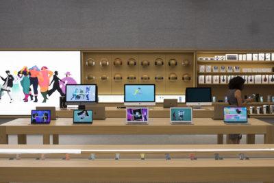 Apple vale mille miliardi di dollari
