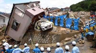 Oltre 100 morti nelle alluvioni in Giappone