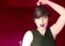 In Iran è stata arrestata una donna per avere pubblicato su Instagram dei video che la mostrano mentre balla