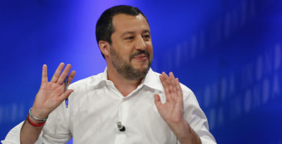 Salvini dice che il governo «sfiorerà dolcemente» il 3 per cento di deficit