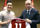 Mesut Özil non giocherà più per la Germania