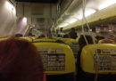 33 passeggeri di un volo Ryanair sono stati ricoverati dopo una depressurizzazione della cabina