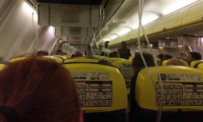 Calo di pressione su volo Ryanair: 33 persone in ospedale
