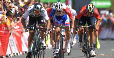 Peter Sagan ha vinto in volata la seconda tappa del Tour de France
