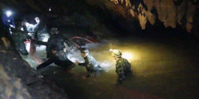 Come fare uscire i ragazzini thailandesi intrappolati nella grotta